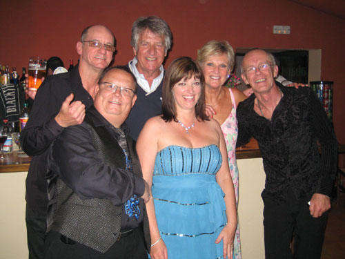 Lyn Paul and the Sound of the New Seekers with Ed Stewart (photo by Steven Liddle).