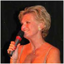Lyn Paul on stage at Le Cabaret (photo used with kind permission of Eric Taylor).